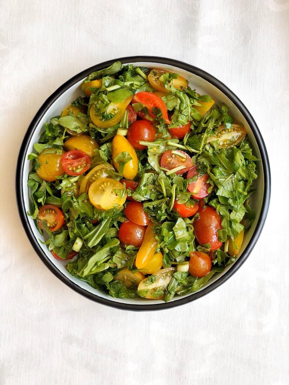 סלט עגבניות שרי היסטרי.